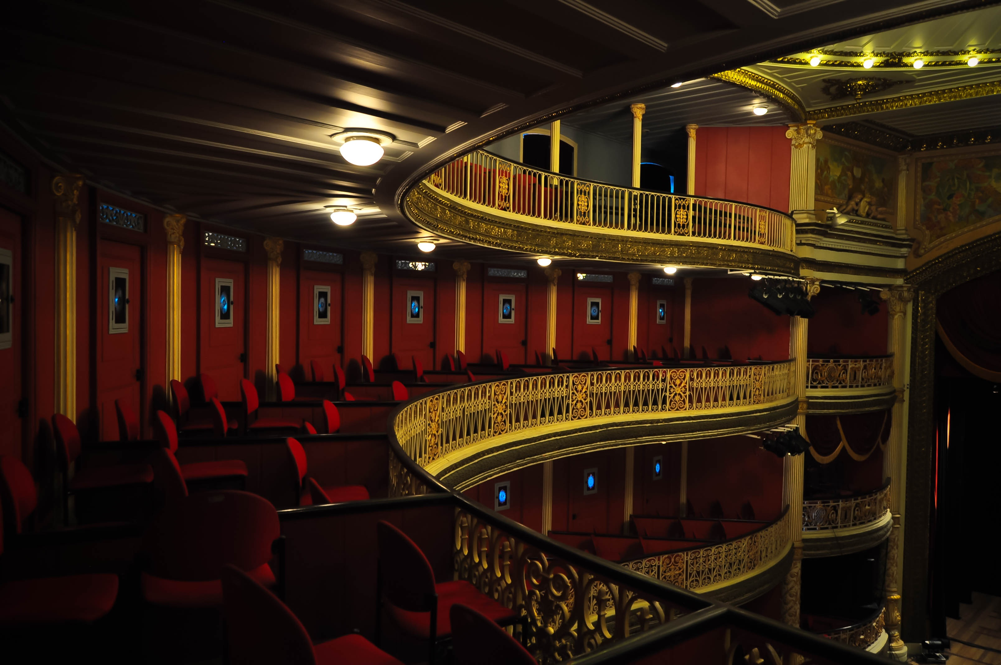 Interior_do_Teatro_de_Santa_Isabel,_Recife,_Pernambuco,_Brasil